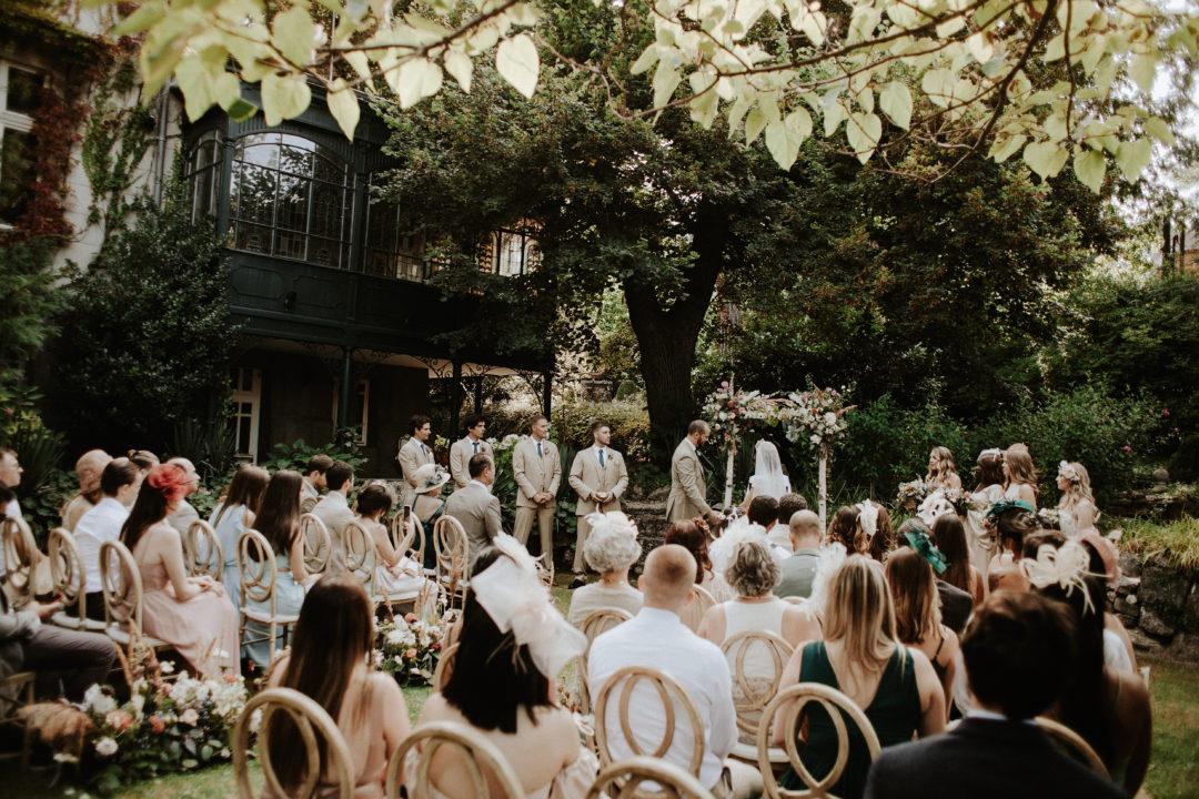 Outdoor Wedding Ceremony in Budapest, garden wedding in a private villa