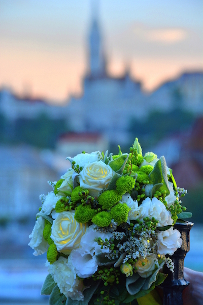 Wedding bouquet with Budapest Mathias Church in Background